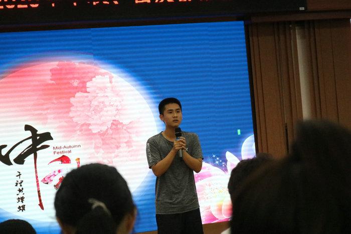 20级新生梁富雯同学演唱《一生所爱》、《探清水河》_.jpg